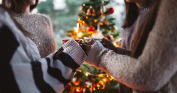 4 Tips For Dealing With Awkward Holiday Party Conversations